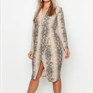 Snakeskin plunge neck bodycon dress